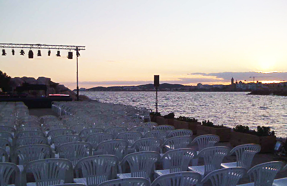 Afinador de pianos a l'Auditori Bocana, Port d'Aiguadolç, Sitges